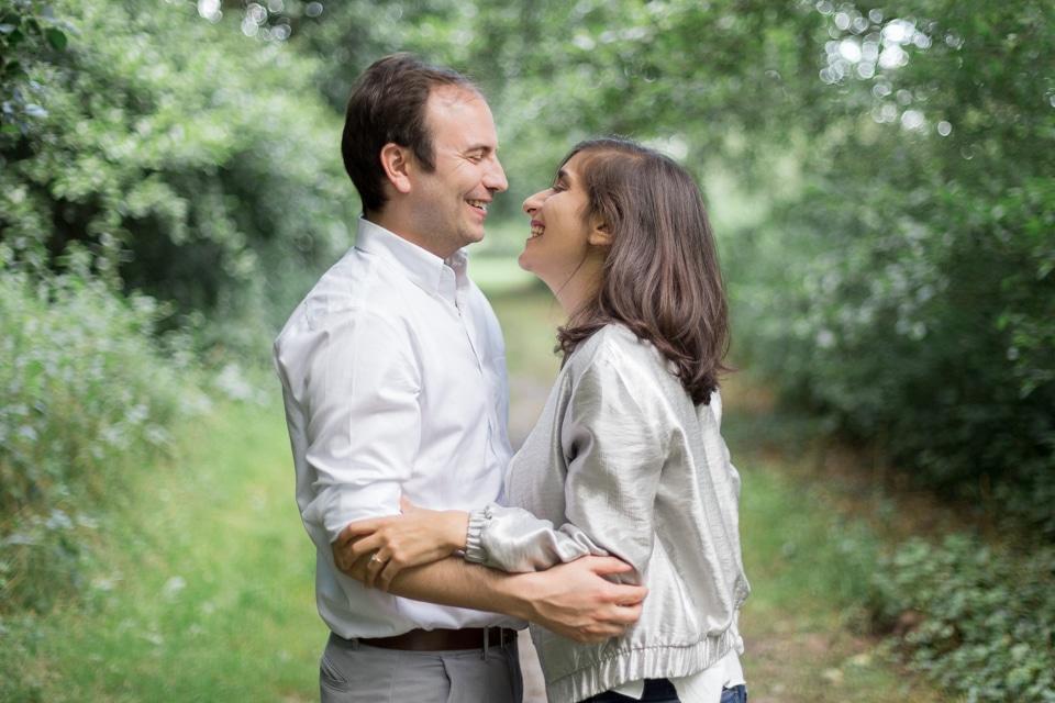 photographe-mariage-lyon-lenagphotography-seance-engagement-champetre-golden-hour (25)