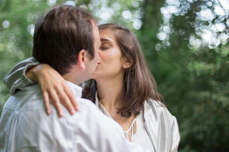 photographe-mariage-lyon-lenagphotography-seance-engagement-champetre-golden-hour (26)