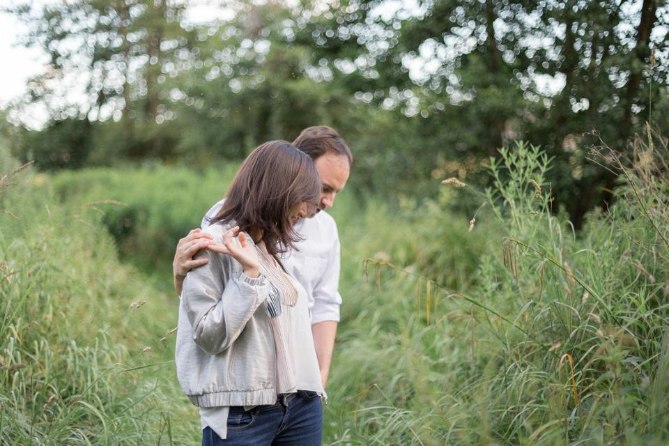 photographe-mariage-lyon-lenagphotography-seance-engagement-champetre-golden-hour (4)