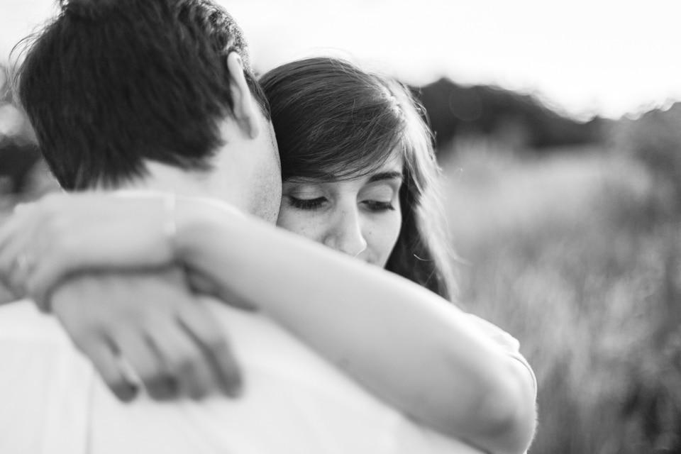 photographe-mariage-lyon-lenagphotography-seance-engagement-champetre-golden-hour (75)