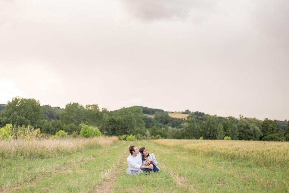 photographe-mariage-lyon-lenagphotography-seance-engagement-champetre-golden-hour-33