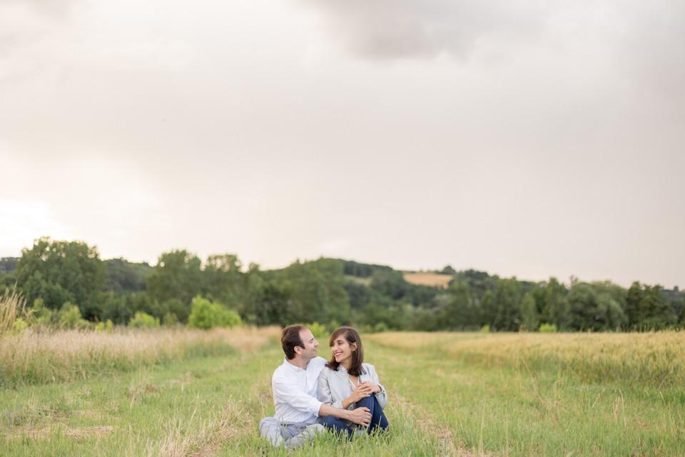 photographe-mariage-lyon-lenagphotography-seance-engagement-champetre-golden-hour-34