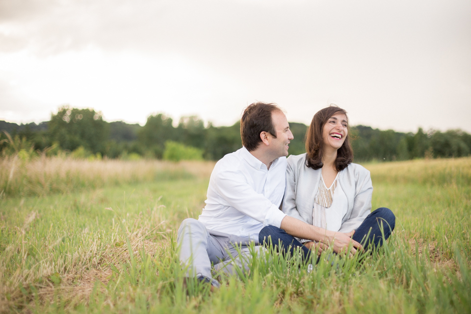 photographe-mariage-lyon-lenagphotography-seance-engagement-champetre-golden-hour-44