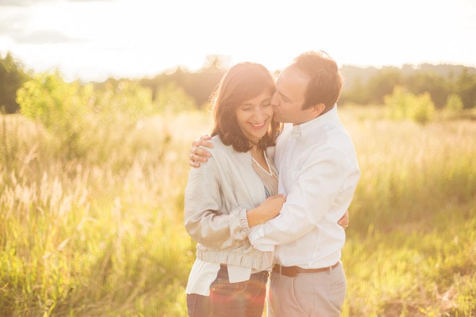 photographe-mariage-lyon-lenagphotography-seance-engagement-champetre-golden-hour-88