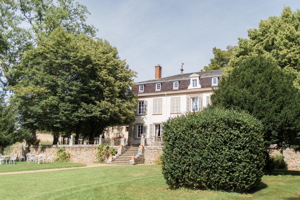 photographe-mariage-lyon-chateau-de-la-bourdeliere-hortensias-32