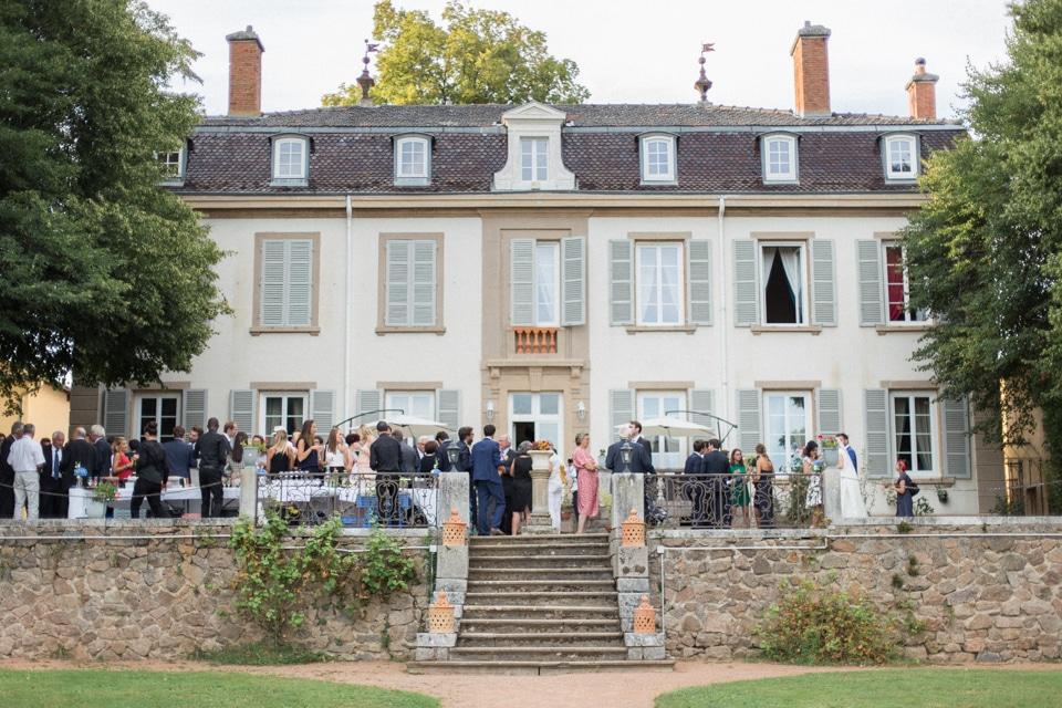 photographe-mariage-lyon-chateau-de-la-bourdeliere-hortensias-663