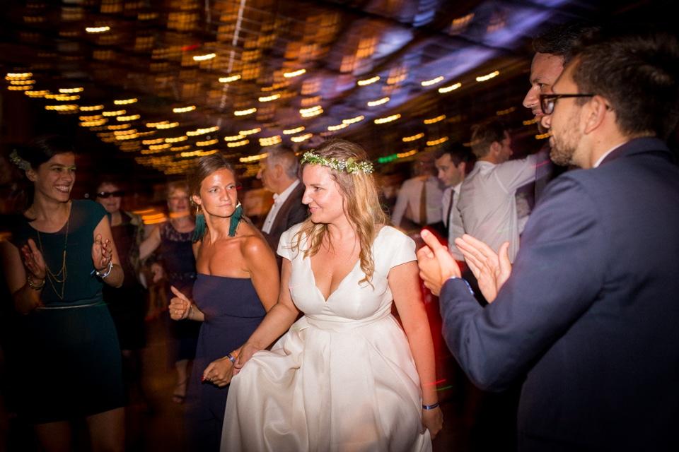 photographe-mariage-lyon-chateau-de-la-bourdeliere-hortensias-840