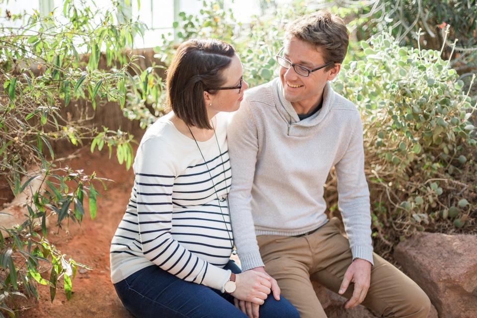 séance photo grossesse dans le jardin botanique a lyon