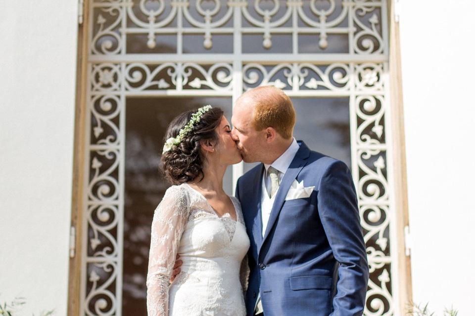 baiser des mariés au chateau des ravatys