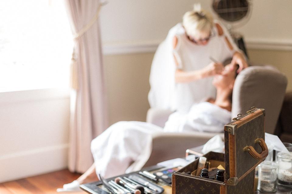 maquillage de la mariée à la villa mauresque à saint raphael