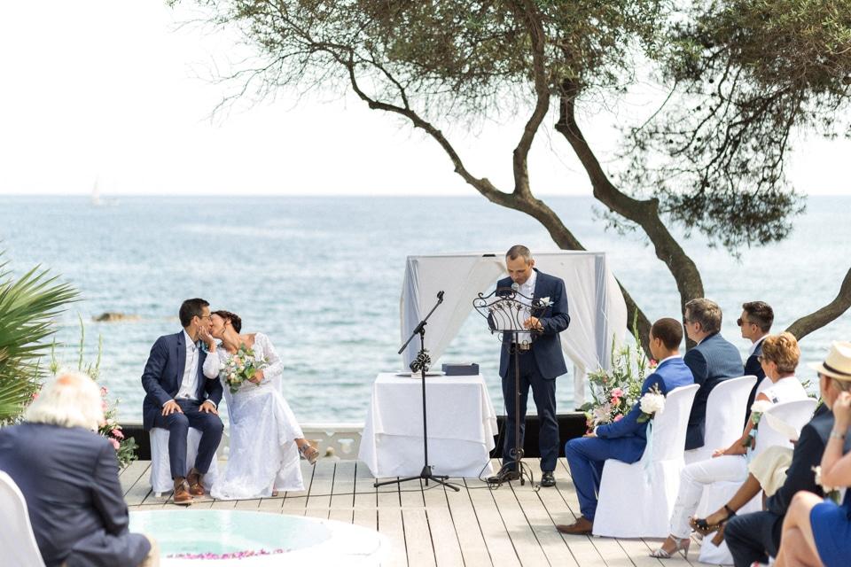 cérémonie laique de mariage avec vue sur la mer à la villa mauresque