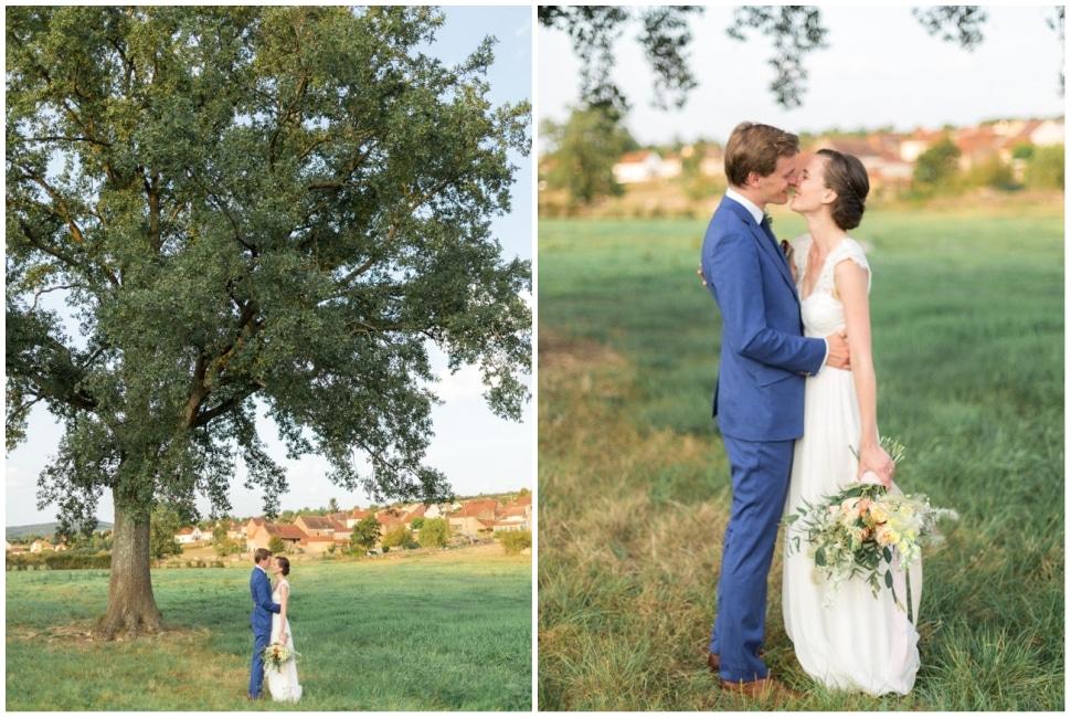 photo de couple pendant la journée de mariage en bourgogne