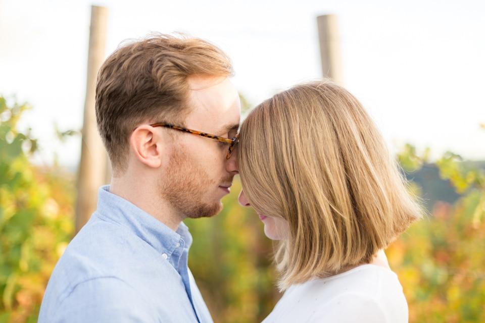 couple dans les vignes près de lyon