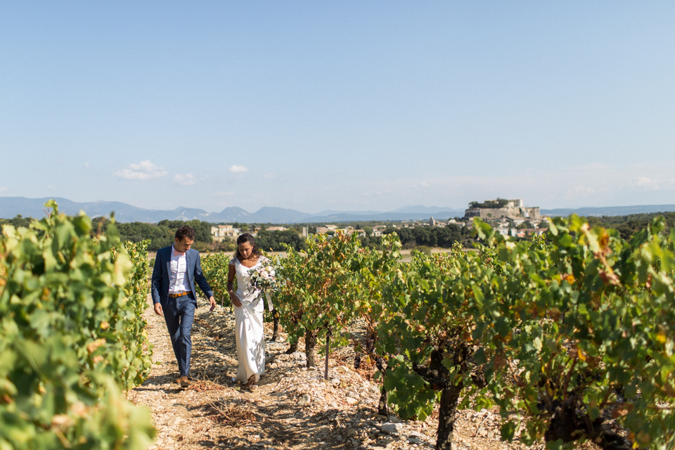 photo de couple de mariage à grignan