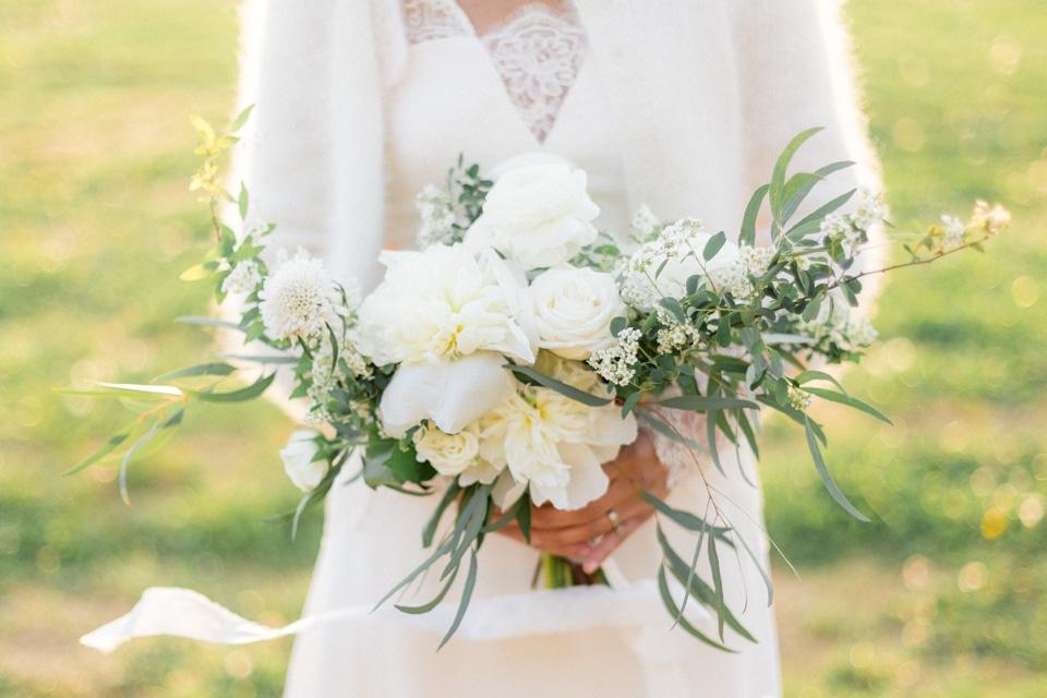 bouquet vert et blanc de mariage par fleurs de fée