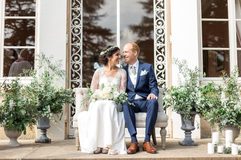 mariage religieux en extérieur au chateau des ravatys
