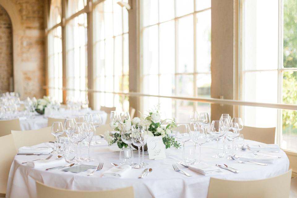 diner de mariage au chateau des ravatys