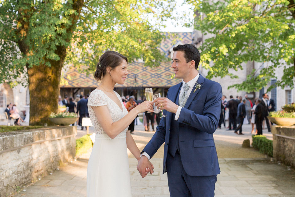 mariés au chateau de santenay en bourgogne