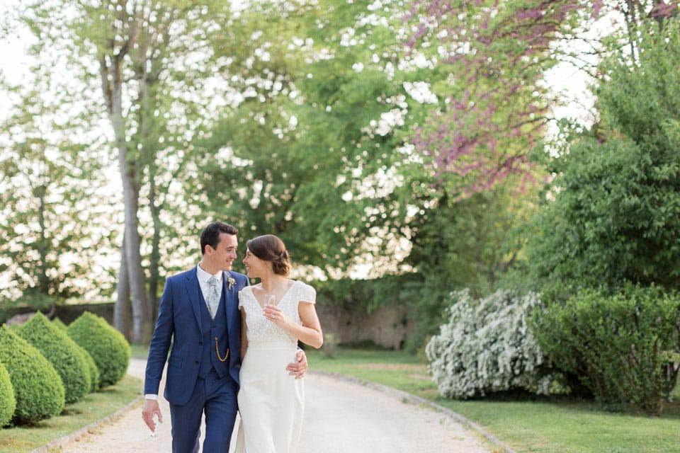 séance photo mariés au chateau de santenay en bourgogne