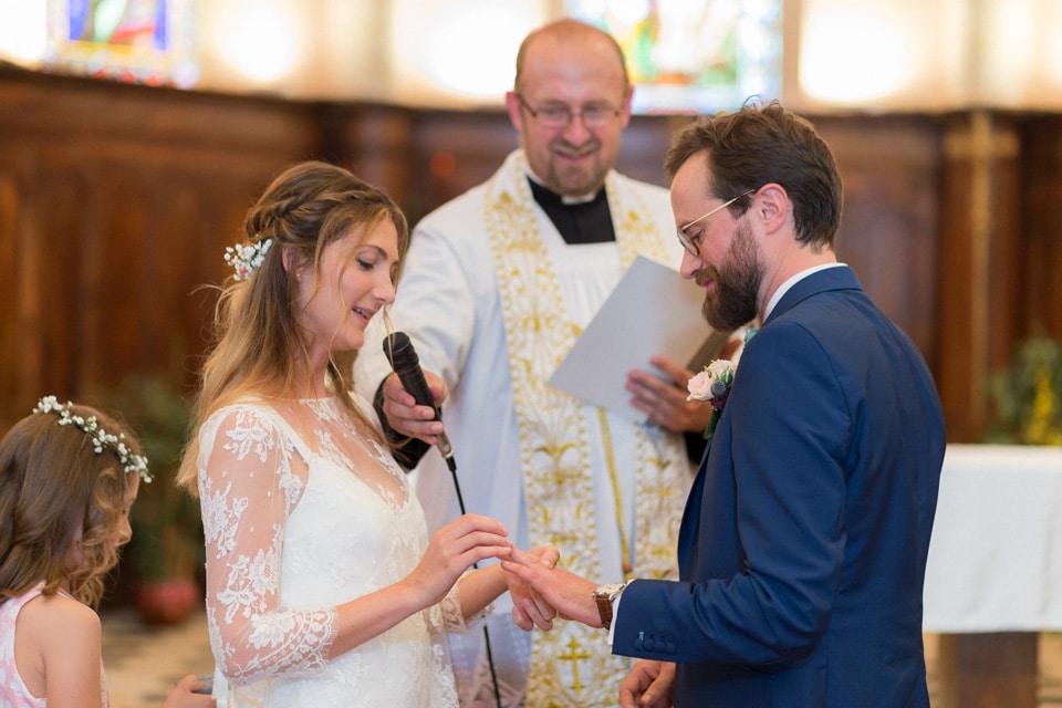 cérémonie religieuse de mariage dans le beaujolais