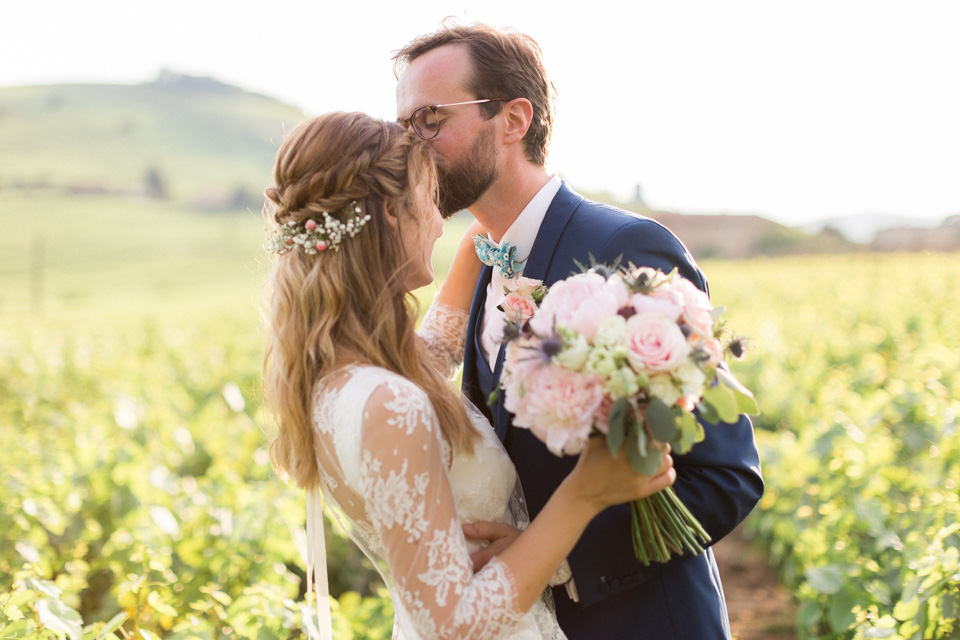 mariés dans les vignes au chateau des ravatys