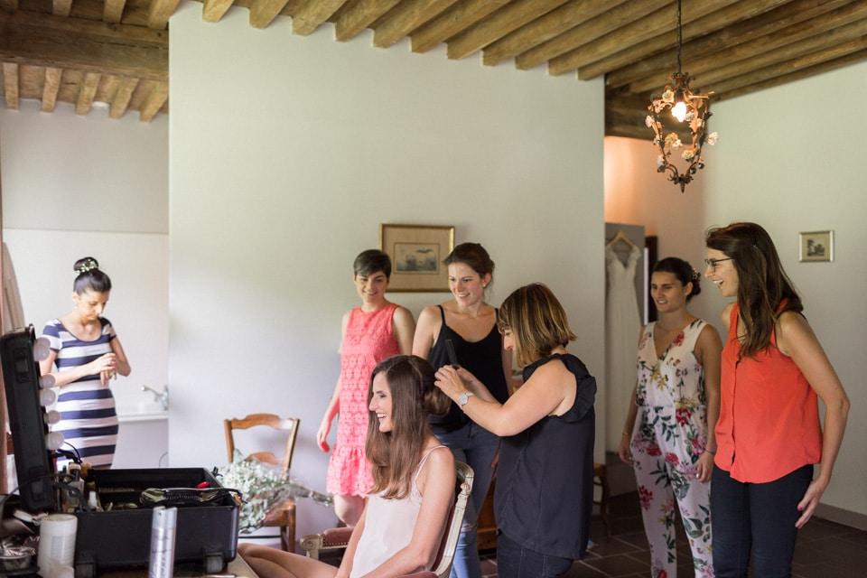 photo des préparatifs de la mariée au chateau du bourg à perreux