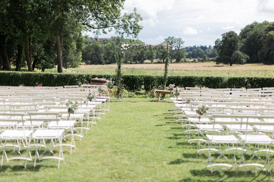 lieu de cérémonie laïque mariage au chateau du bourg à perreux