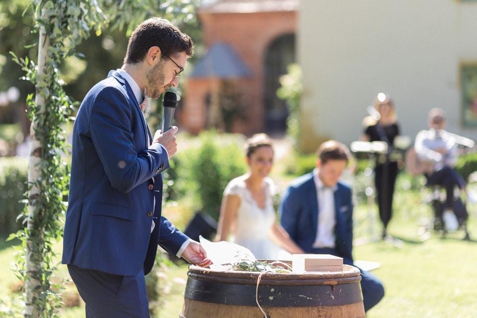 discours pendant la cérémonie laïque de mariage au chateau du bourg à perreux