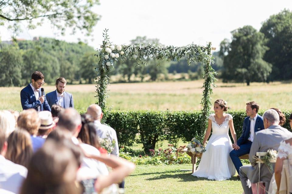 cérémonie de mariage au chateau du bourg