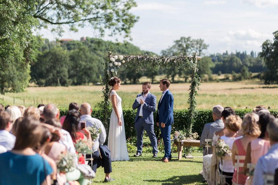arche de cérémonie mariage chateau du bourg