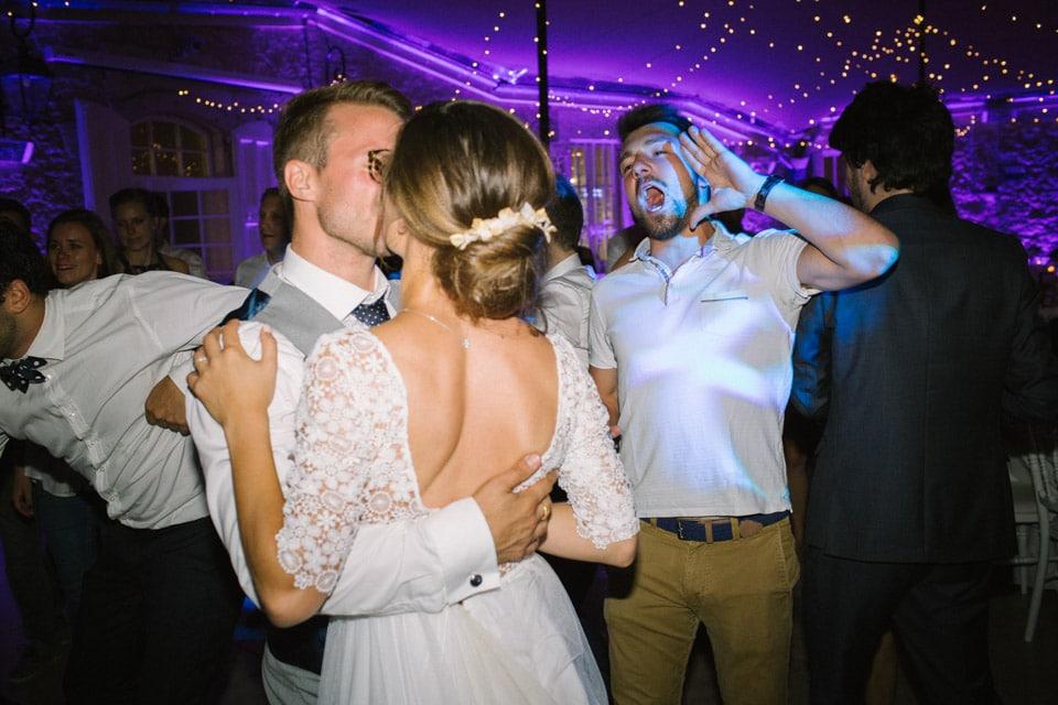 photos de la piste de danse au chateau de chapeau cornu