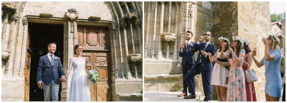 sortie d'église des mariés après la célébration religieuse de mariage