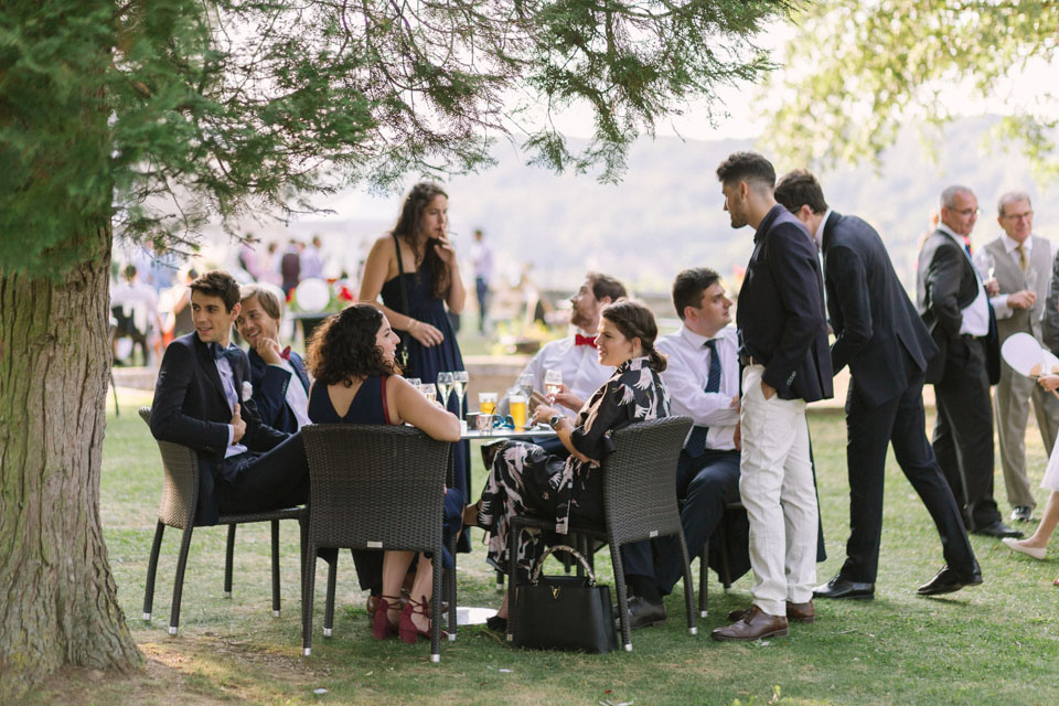 cocktail lors d'un mariage au chateau de chapeau cornu