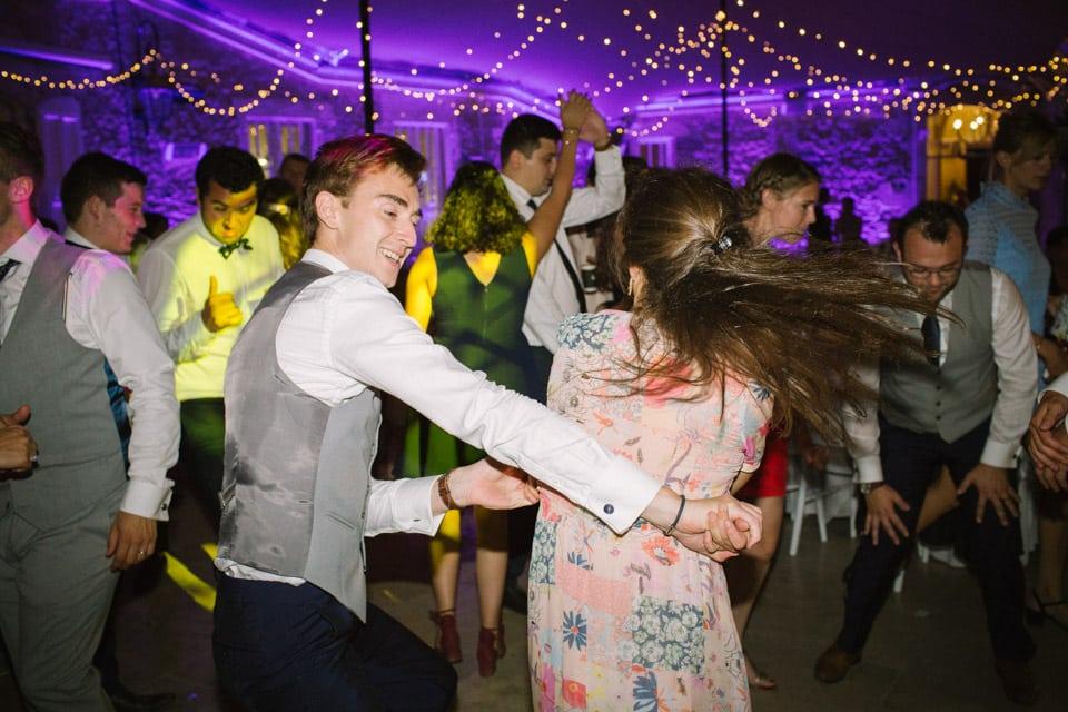 photo de soirée de mariage au chateau de chapeau cornu
