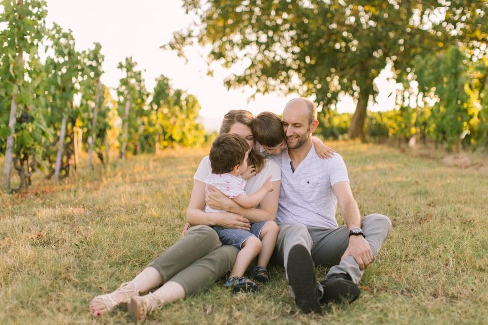 photo de famille dans les vignes a lyon