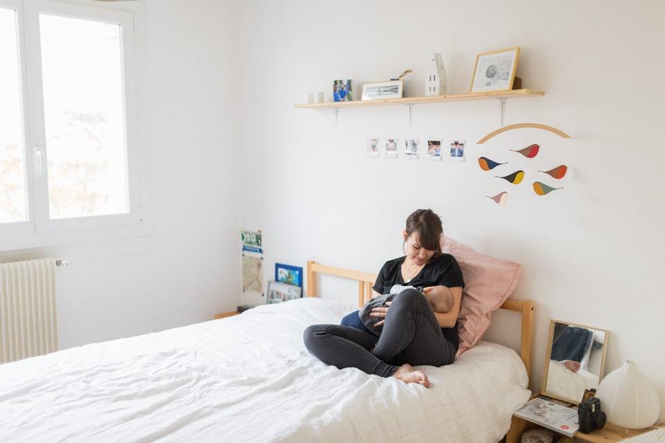 photographie de famille lifestyle a la maison a lyon
