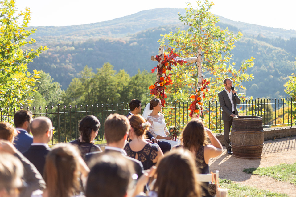 cérémonie de mariage en automne au domaine de vavril