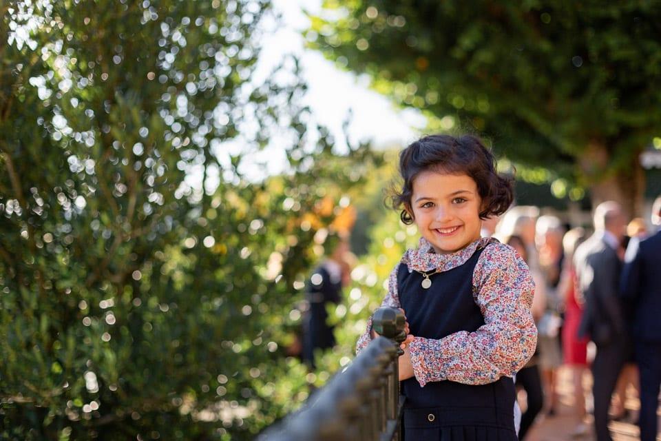 les enfants des mariés au domaine de vavril dans le beaujolais