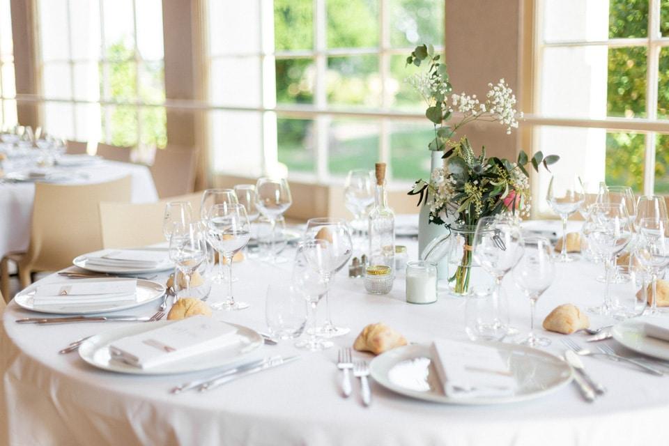 décoration des tables de mariage au chateau des ravatys