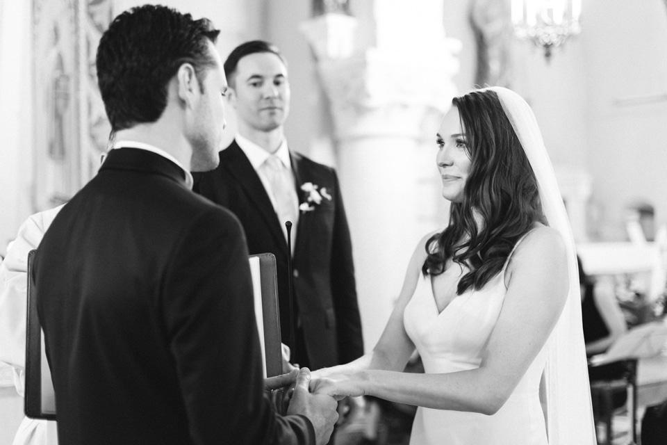 échange des voeux durant la cérémonie de mariage dans le beaujolais
