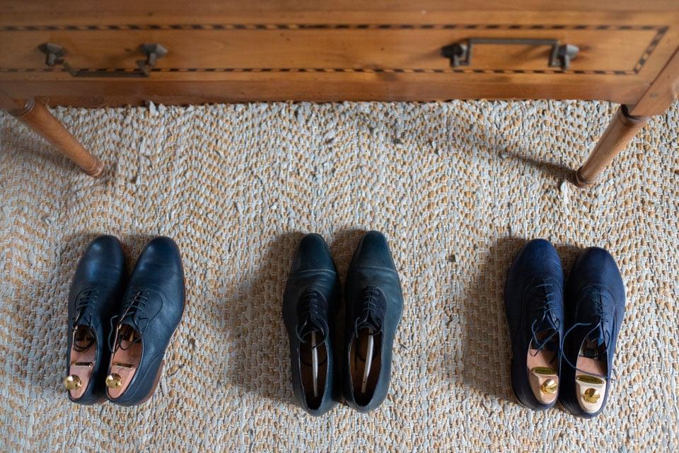 les chaussures du marié et de ses témoins au chateau de barbirey