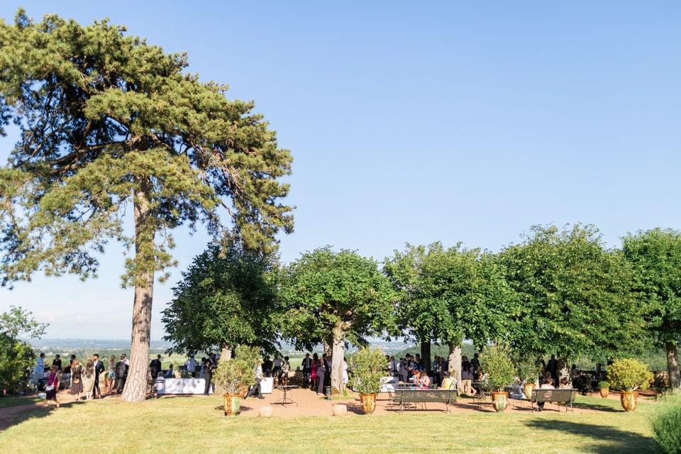 cocktail sous les arbres au domaine morgon la javerniere