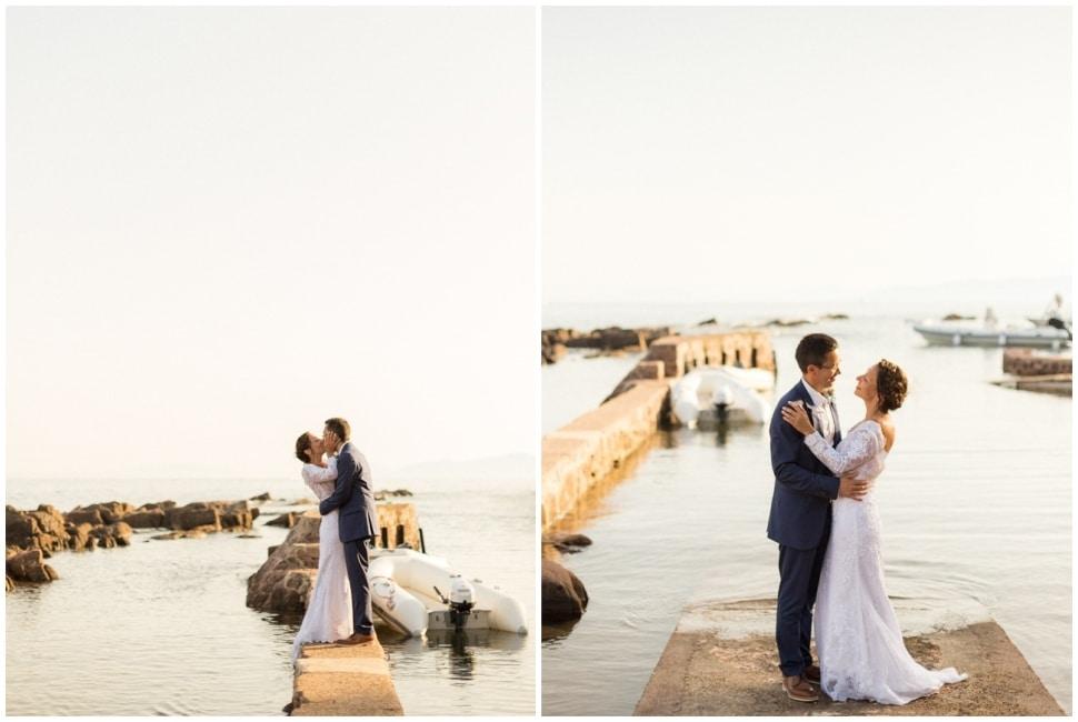 photo de mariage sur un ponton en bord de mer à saint raphaël