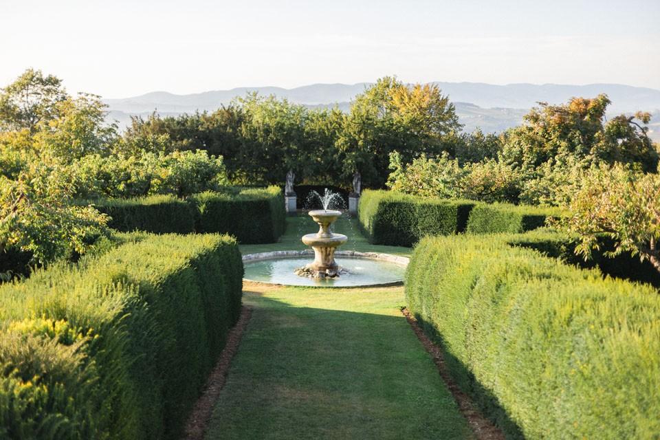 jardins du chateau de bagnols lieu de réception de mariage beaujolais